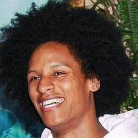 Les twins larry bourgeois girlfriend