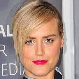 Who is Taylor Schilling Dating Now - Boyfriends ...Taylor Schilling Girlfriend 2019