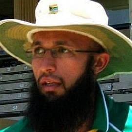 Hashim Amla dating 2021 profile