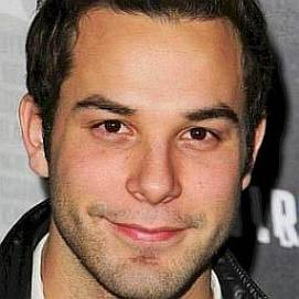 Skylar Astin dating 2021