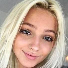 Hannah Blair dating 2021 profile