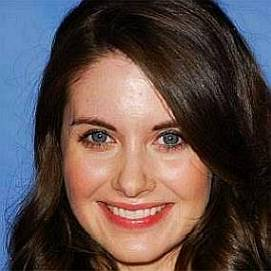 Alison Brie dating 2021