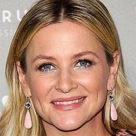 Jessica Capshaw dating 2021