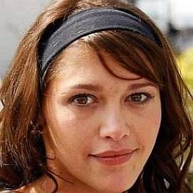 Emma De Caunes dating 2021 profile