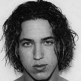 Yonel Cohen dating 2021 profile
