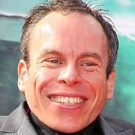 Warwick Davis dating 2021