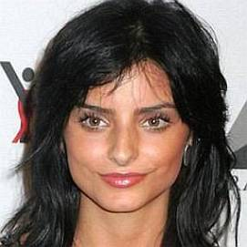 Aislinn Derbez dating 2021