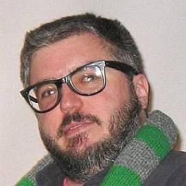 Alonso Duralde dating 2021 profile