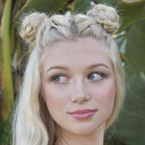 Charli Elise dating profile