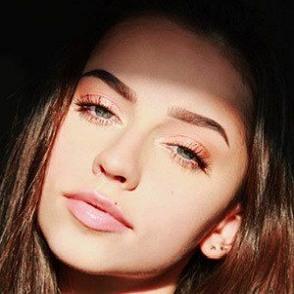 Katelyn Elizabeth dating profile