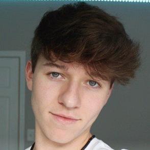 Calvin Falvey dating profile