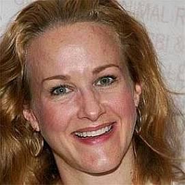 Katie Finneran dating 2021