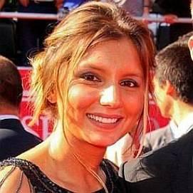 Maya Gabeira dating 2021