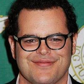 Josh Gad dating 2021