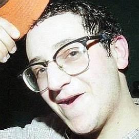 Adam Goren dating 2021 profile
