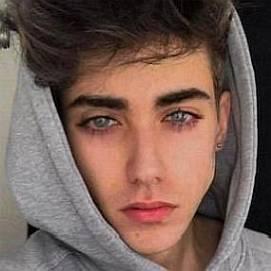 Elijah Haider dating 2021 profile