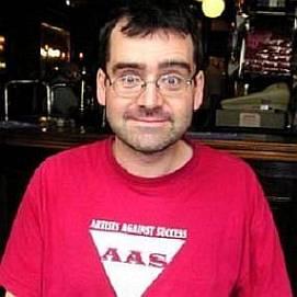 MJ Hibbett dating 2021 profile