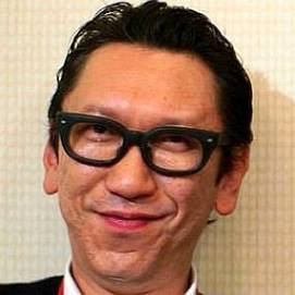 Tomoyasu Hotei dating 2021