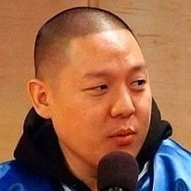 Eddie Huang dating 2021 profile