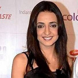 Sanaya Irani dating 2020