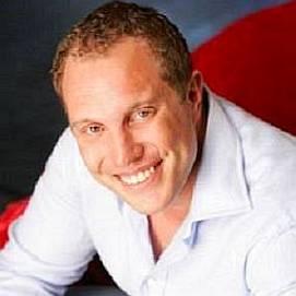 Adam Jasinski dating 2021 profile