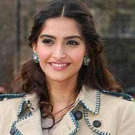 Sonam Kapoor dating 2020
