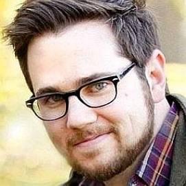 Justin Kintzel dating 2021 profile