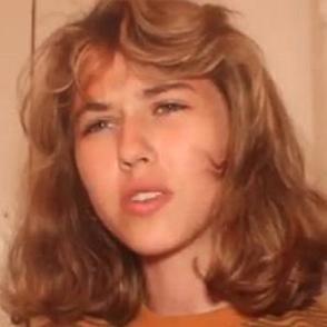 Caroline Konstnar dating profile