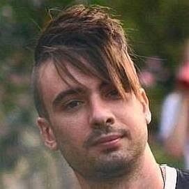Sean Lemon dating 2021 profile