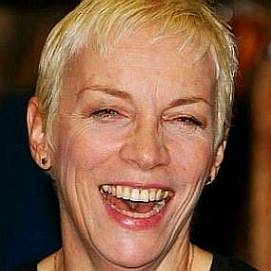 Annie Lennox dating 2021