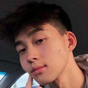 Freddie Liu dating profile
