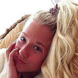 Vesta Lugg dating 2021 profile