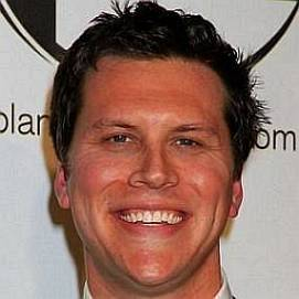 Hayes MacArthur dating 2021