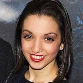 Julia Macchio dating 2021 profile