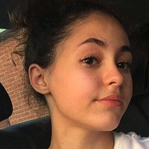Maya Bouguenna dating profile