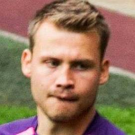 Simon Mignolet dating 2021