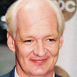 Colin Mochrie dating 2021