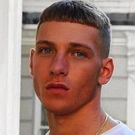 Brandon Myers dating 2020 profile