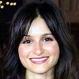 Melanie Papalia dating 2020