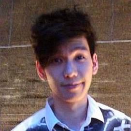 Phil Lam dating 2021 profile