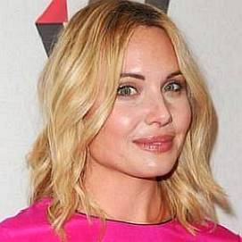 Leah Pipes dating 2020