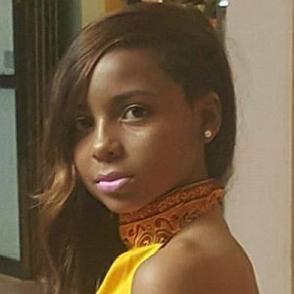 Queen KhaMyra dating 2020 profile