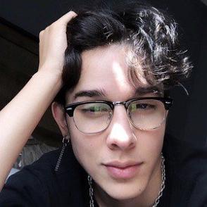 Adrian Rodriguez dating profile