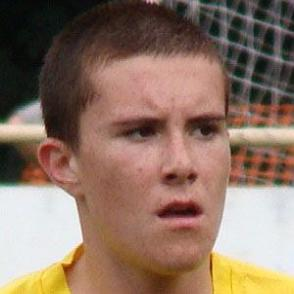 Luke Roskell dating 2021 profile