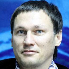 Oleg Saitov dating 2021 profile