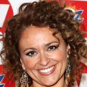 Nadia Sawalha dating 2021