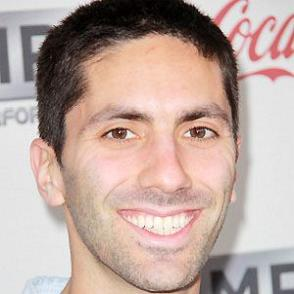 Nev Schulman dating 2021