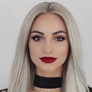 Erin Scott dating 2021 profile