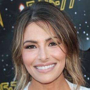 Sarah Shahi dating 2021
