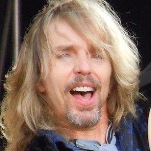 Tommy Shaw dating 2021